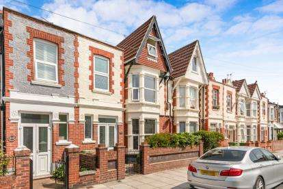 4 Bedrooms Terraced House for sale in North End, Portsmouth, Hampshire