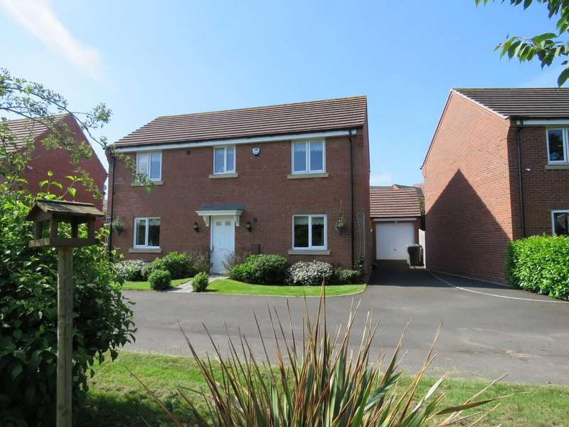 4 Bedrooms Detached House for sale in Butterworth Close, Wythall