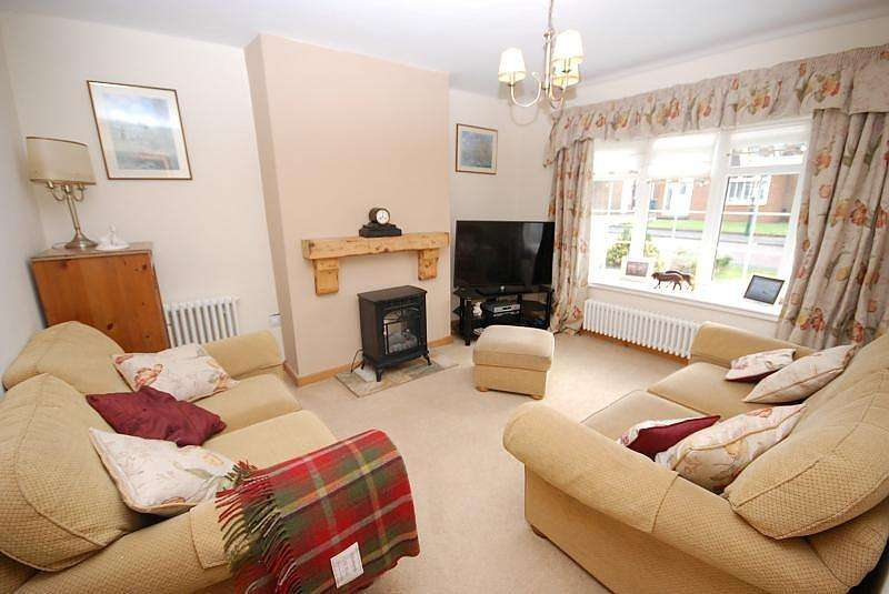 4 Bedrooms Semi Detached House for sale in Cheviot Road, Jarrow