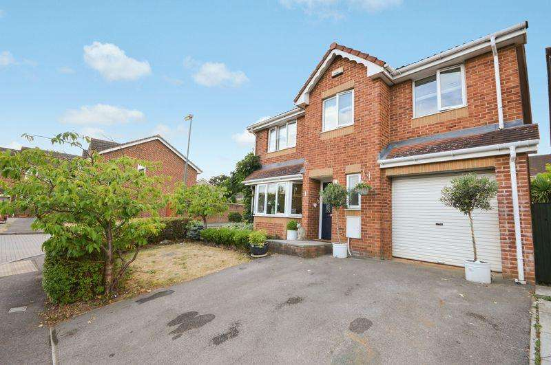 5 Bedrooms Detached House for sale in Bampton Close,Emersons Green, Bristol