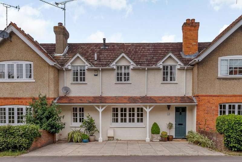 4 Bedrooms Terraced House for sale in Braybrooke Road, Wargrave, Reading