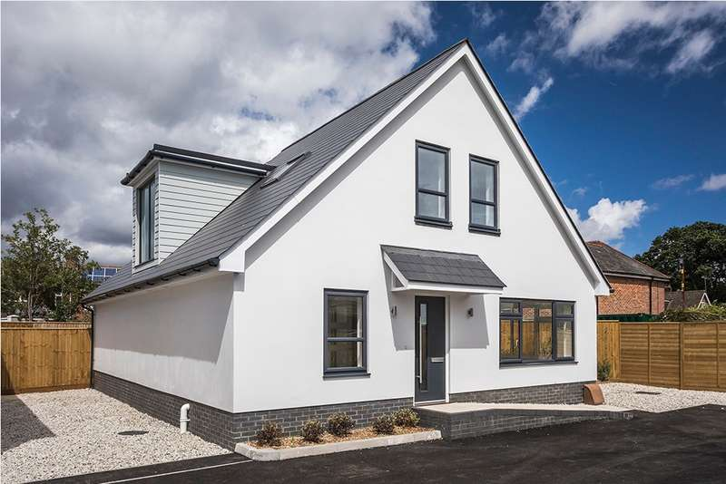 4 Bedrooms Detached House for sale in Upton