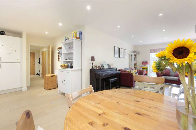 3 Bedrooms Apartment Flat for sale in Singer Mews, London, SW4