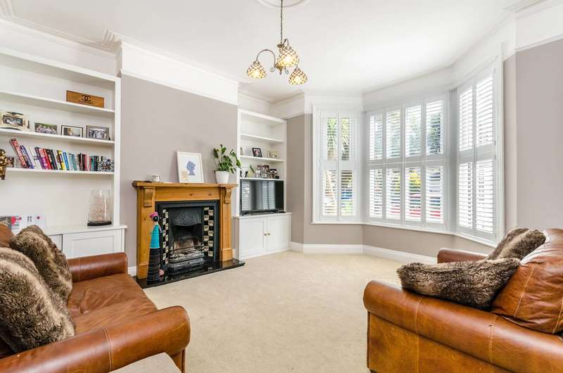 4 Bedrooms House for sale in Wellmeadow Road, Hither Green, SE6