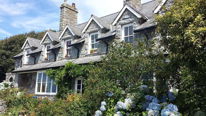 6 Bedrooms Detached House for sale in Llanaber, Barmouth, Gwynedd, LL42 1AJ