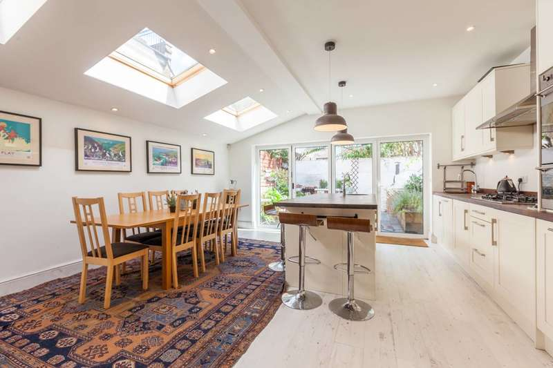 3 Bedrooms House for sale in Kenbury Street, Camberwell, SE5