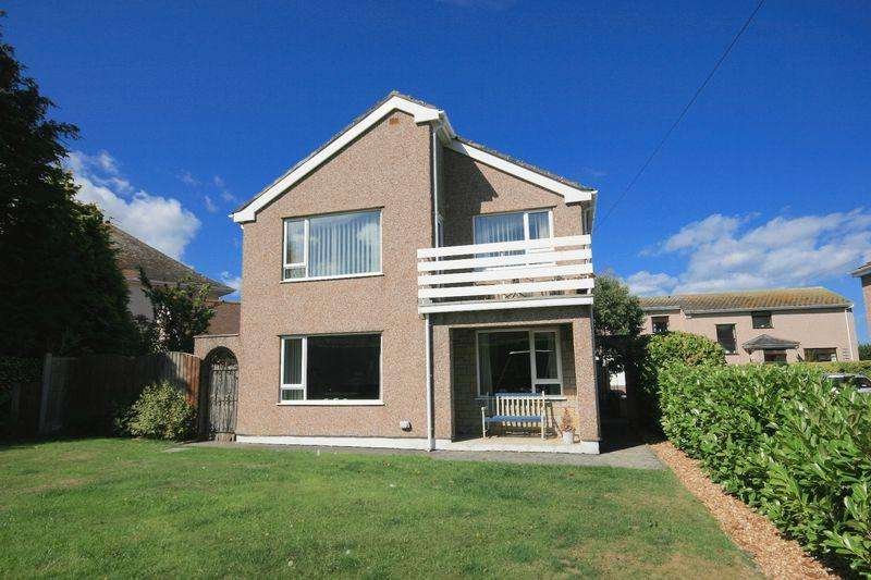 4 Bedrooms Detached House for sale in Treforris Road, Dwygyfylchi