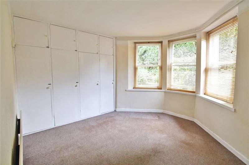 2 Bedrooms Flat for sale in Cotham Gardens Bristol Somerset BS6