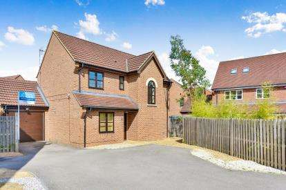 4 Bedrooms Detached House for sale in Brantwood Close, Westcroft, Milton Keynes, Bucks