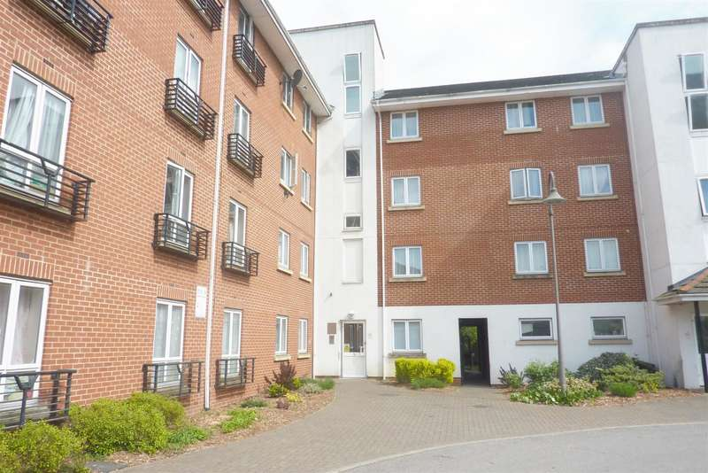 2 Bedrooms Ground Flat for sale in Chantry Close, Abbey Wood, London, SE2 9NU