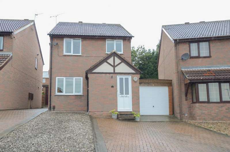 3 Bedrooms Detached House for sale in Ludham Gardens, Chesterfield