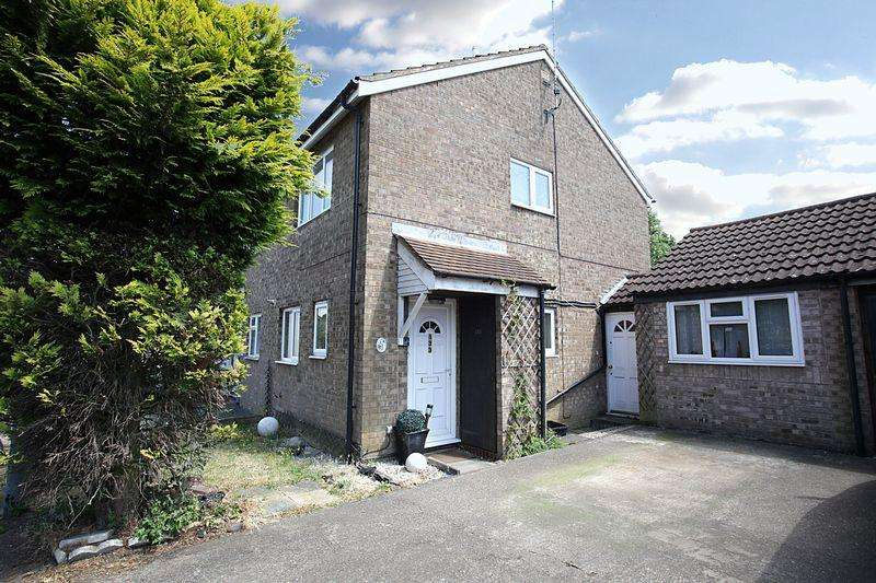 3 Bedrooms Semi Detached House for sale in ***Attention Investors/ Commuters***