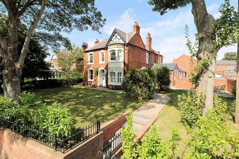 4 Bedrooms Detached House for sale in Moira Road, Overseal