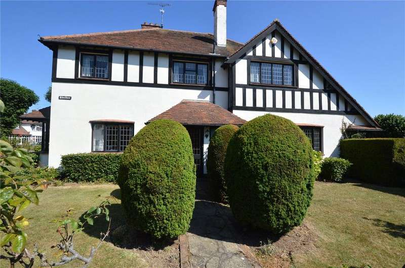 4 Bedrooms Detached House for sale in Daines Close, Southend-on-Sea, Thorpe Bay, Essex, SS1