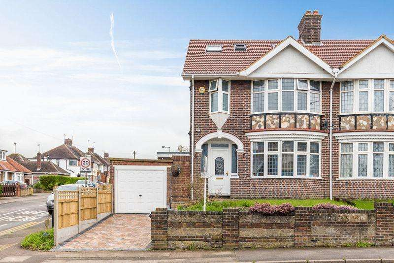 6 Bedrooms Semi Detached House for sale in ***Family Friendly Neighbourhood***