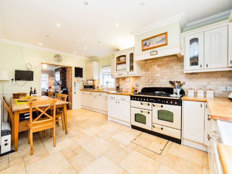 5 Bedrooms End Of Terrace House for sale in Jersey Road, Rainham
