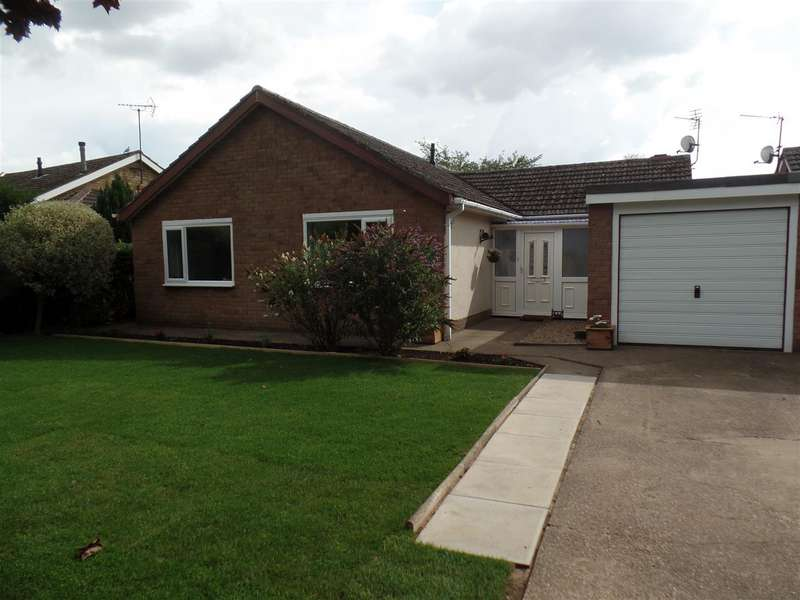 3 Bedrooms Bungalow for sale in Greenfields, Nettleham, Lincoln