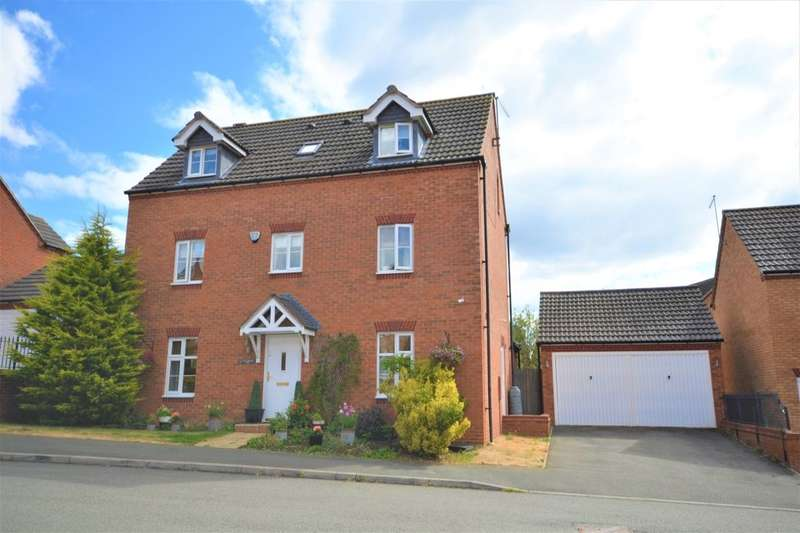 4 Bedrooms Detached House for sale in South Meadow View, St Crispins, Northampton, NN5