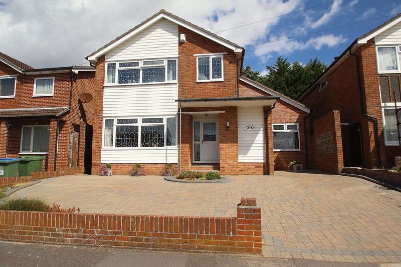 5 Bedrooms Detached House for sale in Inverness Avenue, Fareham