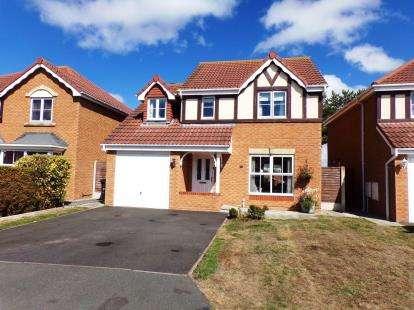 4 Bedrooms Detached House for sale in Llys Bran, Prestatyn, Denbighshire, LL19