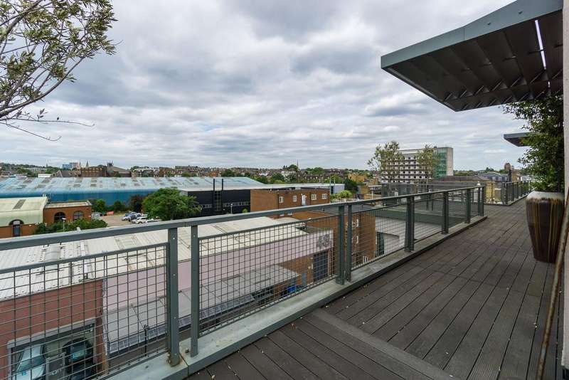 5 Bedrooms Penthouse Flat for sale in Holmes Road, London, NW5