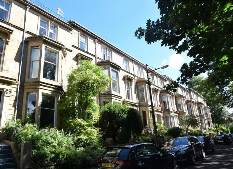 2 Bedrooms Apartment Flat for sale in Top Flat, Doune Gardens, North Kelvinside, Glasgow