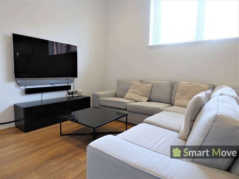 2 Bedrooms Flat for sale in Cathedral View, Wentworth Street, Peterborough, PE1 1DS