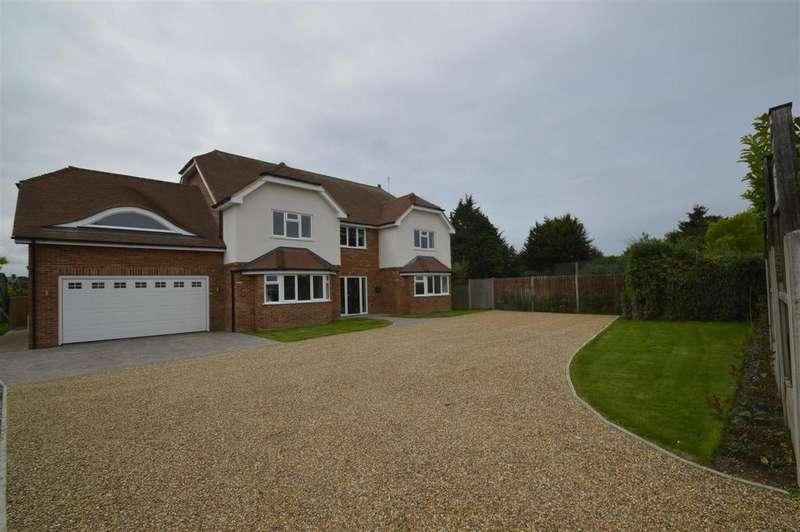 5 Bedrooms Detached House for sale in Woodside, Gillingham