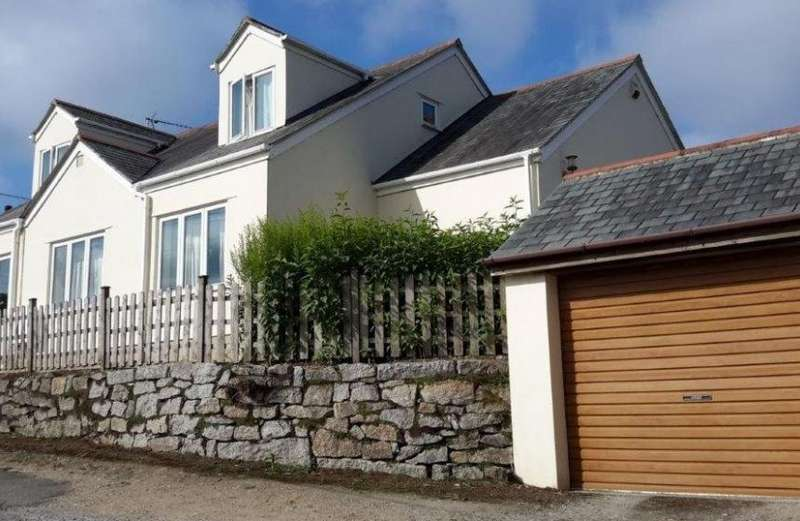 4 Bedrooms Property for sale in Perranwell Station, Truro