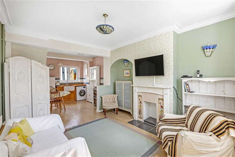 2 Bedrooms Terraced House for sale in Cowick Road, Tooting, London