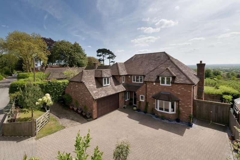 6 Bedrooms Detached House for sale in Chart Road, Chart Sutton, ME17