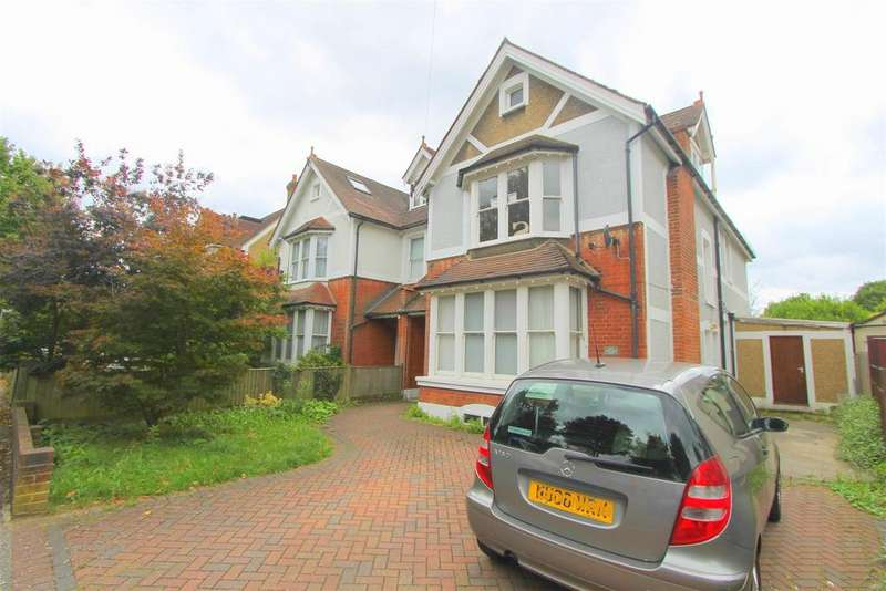6 Bedrooms House for sale in Park Hill Road, Wallington