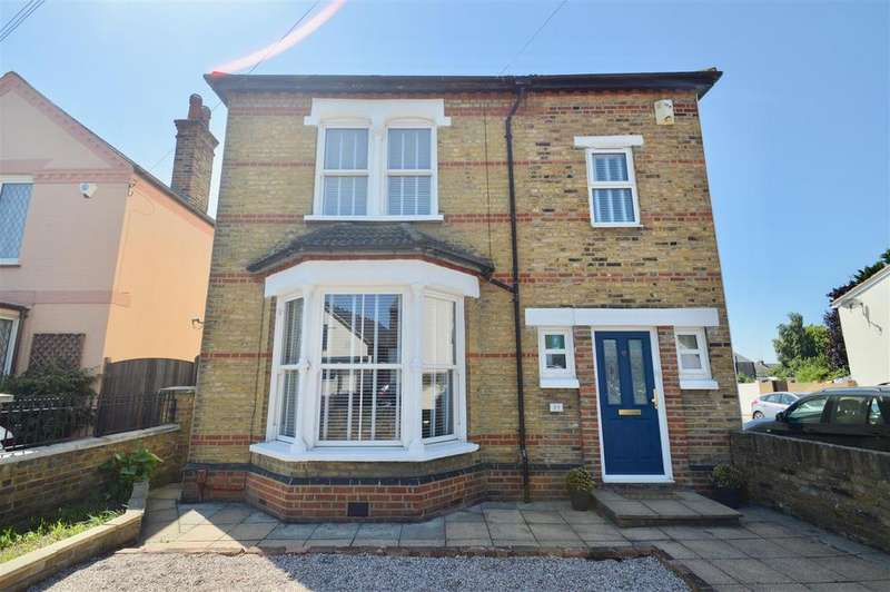 3 Bedrooms Detached House for sale in Singlewell Road, Gravesend