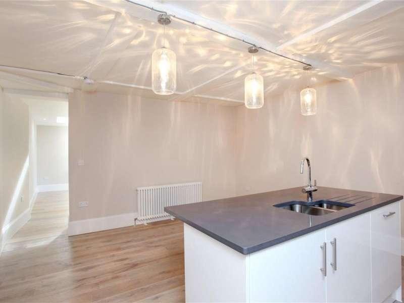 4 Bedrooms Property for sale in High Street, Eton, Windsor