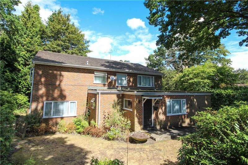 4 Bedrooms Detached House for sale in Sunnyside, Fleet, Hampshire, GU51