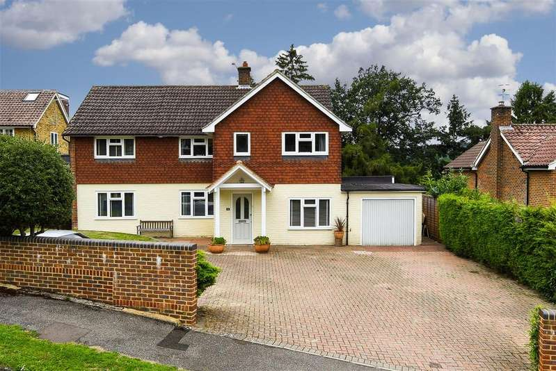 5 Bedrooms Detached House for sale in Blackstone Hill, Redhill