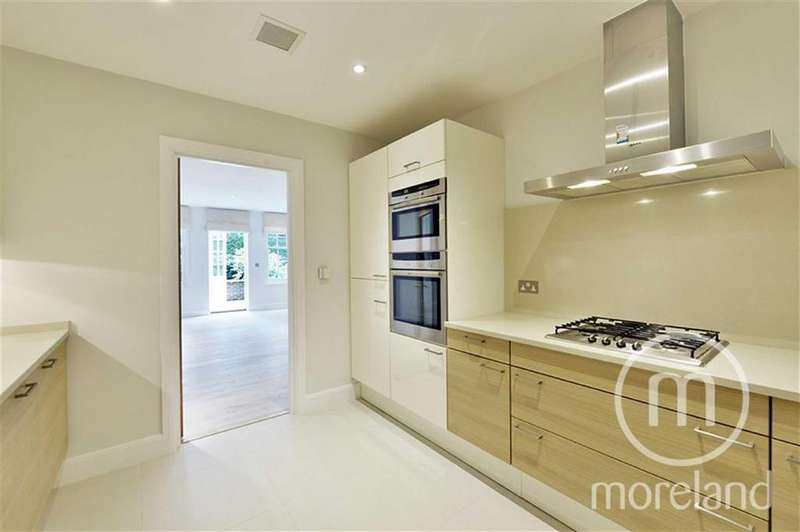 3 Bedrooms Flat for sale in Finchley Road, Temple Fortune, NW11