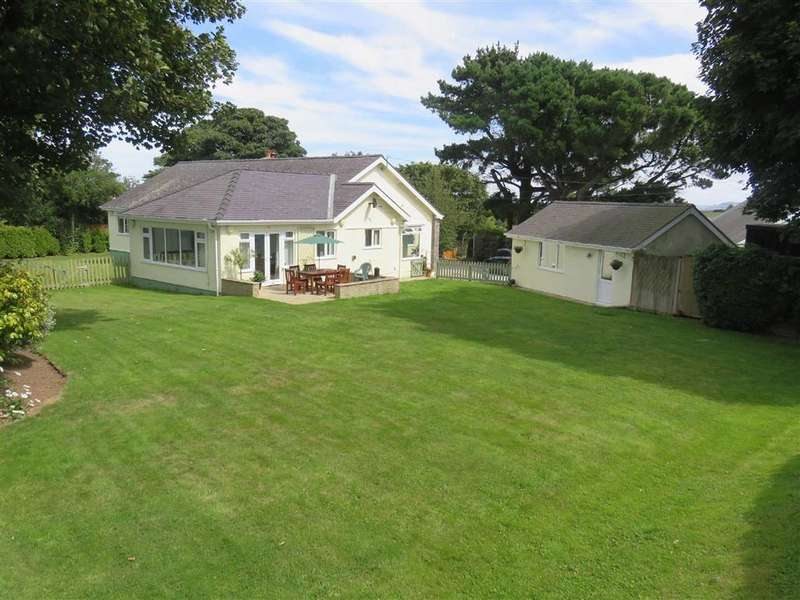 4 Bedrooms Detached Bungalow for sale in Caim, Llangoed, Anglesey
