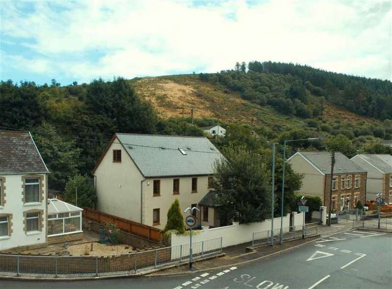 4 Bedrooms Detached House for sale in Efail Fach, Pontrhydyfen, Neath Port Talbot