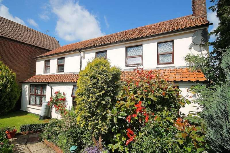 4 Bedrooms Detached House for sale in Coopersale Common, Coopersale, CM16