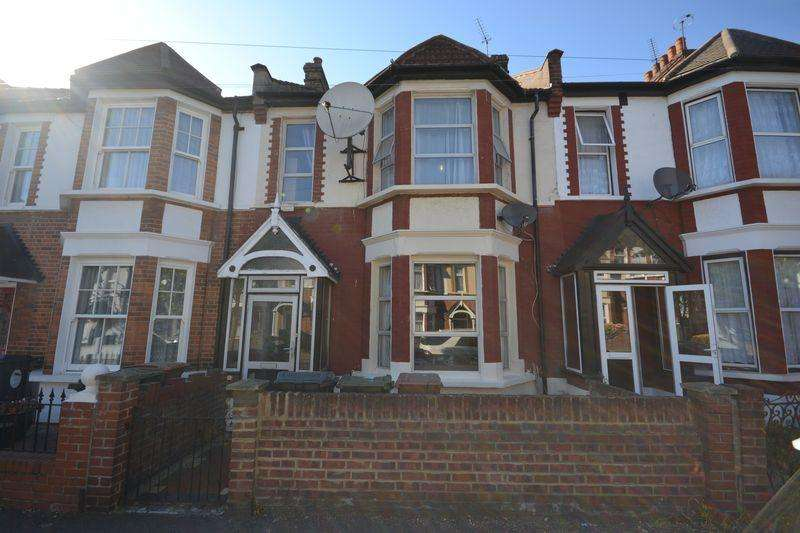 4 Bedrooms Terraced House for sale in Matlock Road, London
