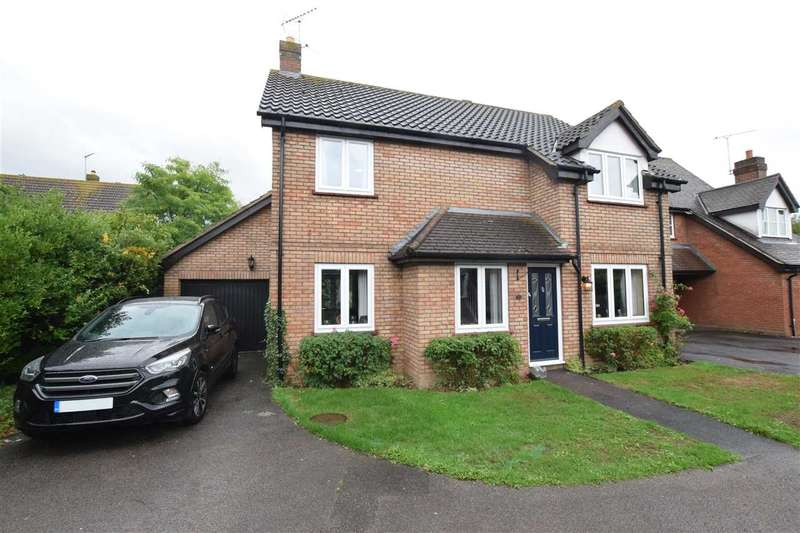 4 Bedrooms Detached House for sale in Fawkner Close, Chelmer Village, Chelmsford