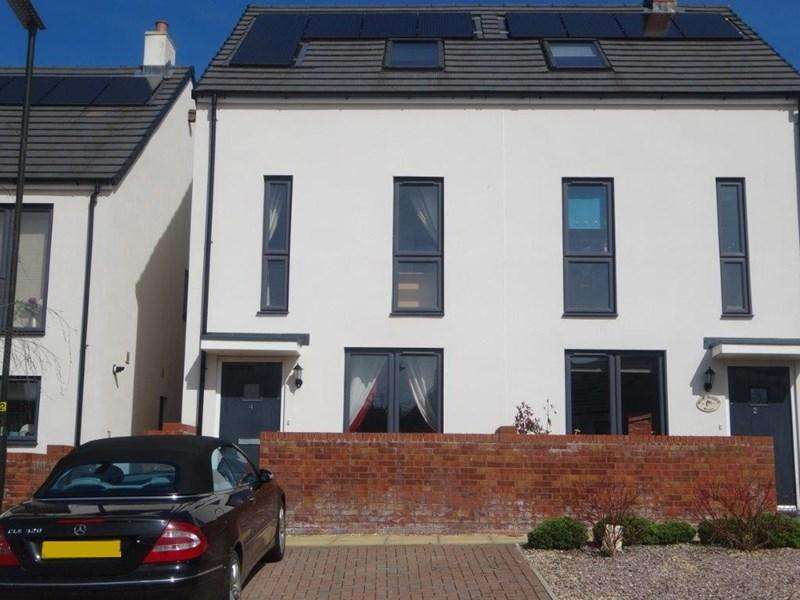 3 Bedrooms Semi Detached House for sale in White Chapel Row, Cinderford