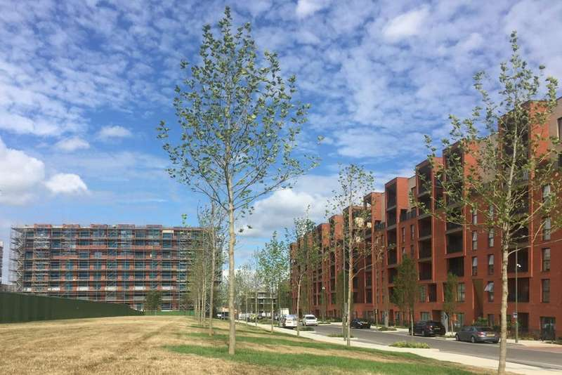 2 Bedrooms Flat for sale in Poplar House, Colindale Gardens, Colindale NW9