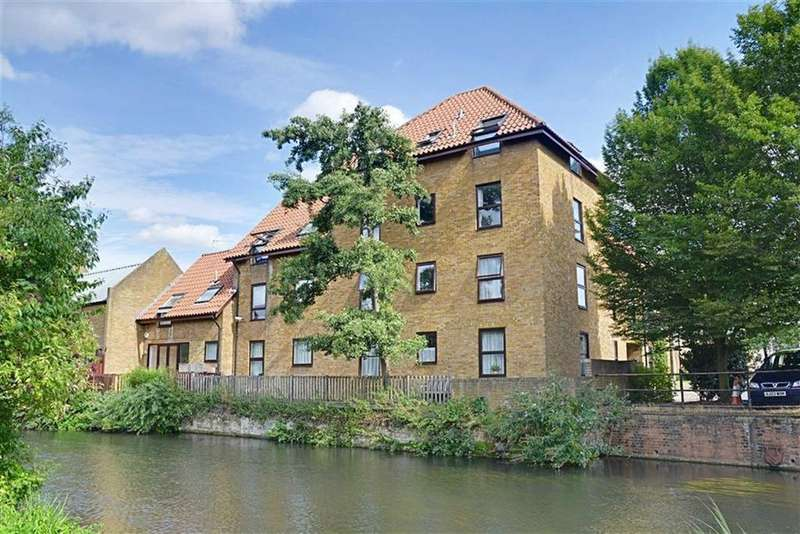 2 Bedrooms Flat for sale in Shaftesbury Quay, Hertford, SG14