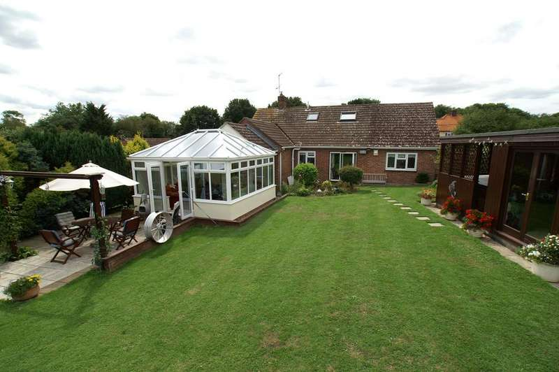 6 Bedrooms Detached Bungalow for sale in 30 Colne Park Road, White Colne, Colchester CO6