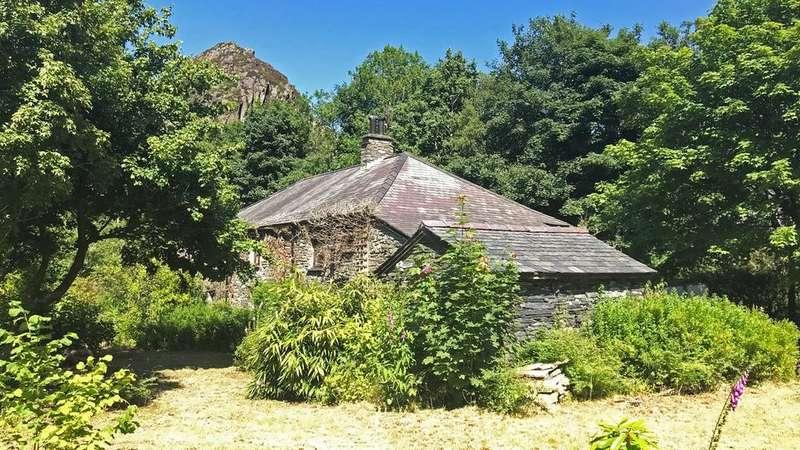 5 Bedrooms Detached House for sale in Benar View, Blaenau Ffestiniog, LL41