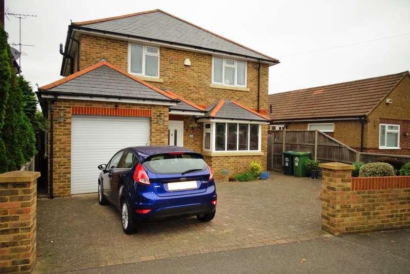 4 Bedrooms Detached House for sale in Coolgardie Road, Ashford, TW15