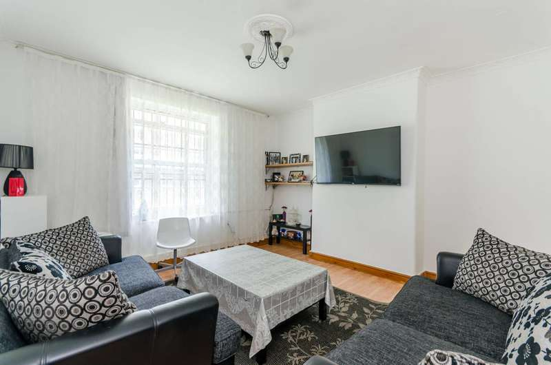 2 Bedrooms Flat for sale in Stamford Hill, Stamford Hill, N16