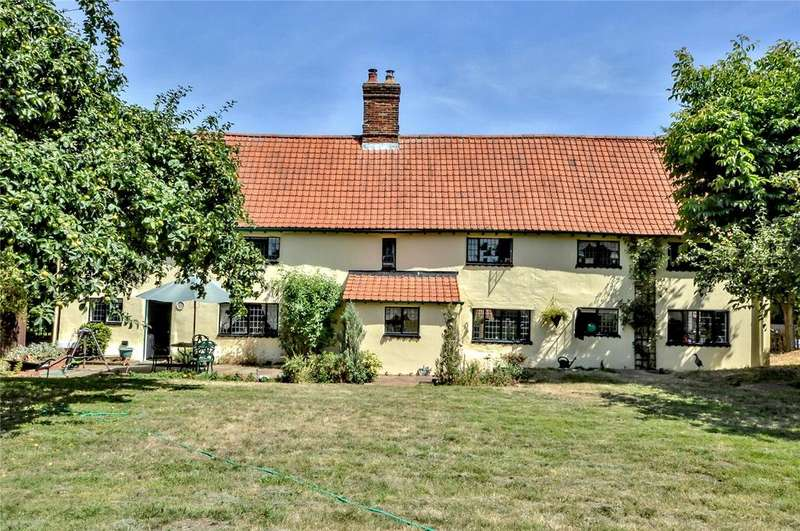 4 Bedrooms Detached House for sale in Newmarket Road, Great Chesterford, Nr Saffron Walden, Essex, CB10